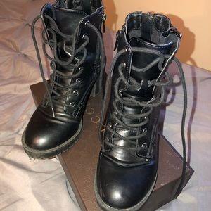 🖤🛑🖤Black Steve Madden Boots Size 6🛑🖤🛑
